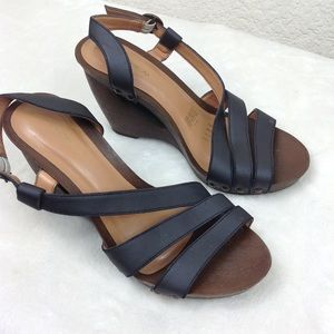 Andrea Gray Blue  faux wood Wedges size 6